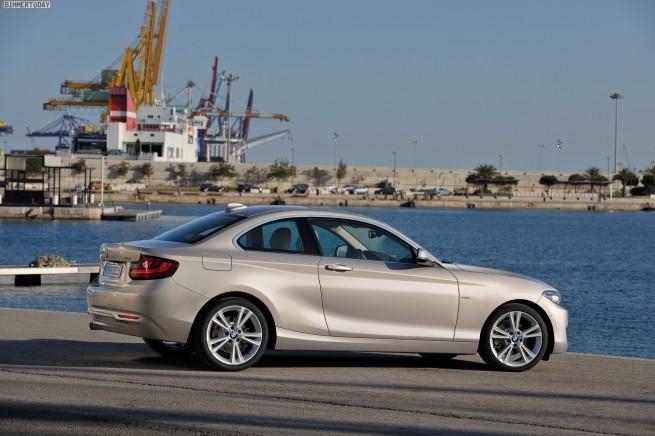 2014-BMW-2er-Coupe-F22-220d-Modern-Line-02