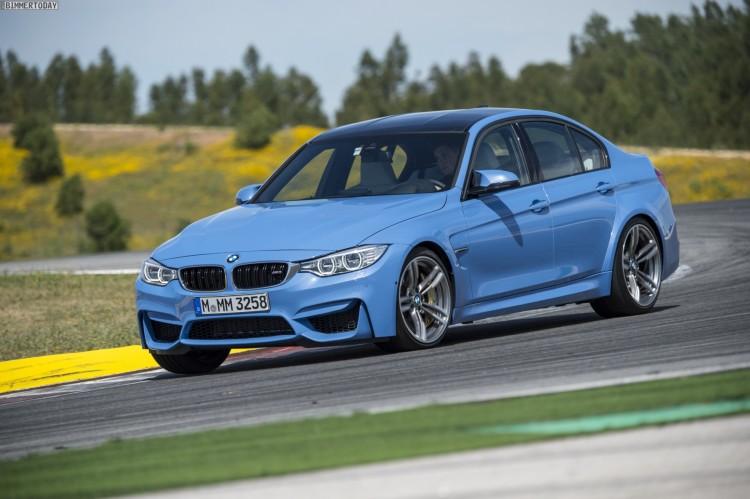 2014-BMW-M3-F80-Yas-Marina-Blau-21