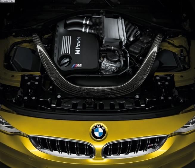 2014-BMW-M4-Coupe-F82-Motor-BMW-S65-Biturbo-R6