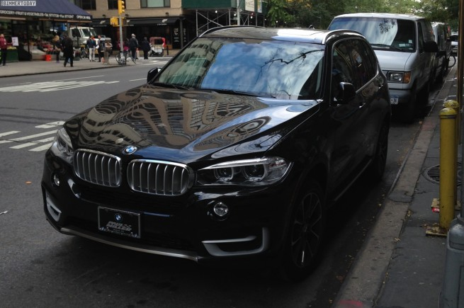 2014-BMW-X5-F15-Design-Pure-Experience-xDrive35i-New-York-01