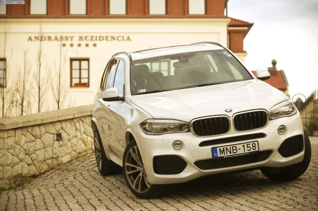 2014-BMW-X5-F15-M-Sportpaket-weiss-Wallpaper-xDrive30d-Ungarn-17