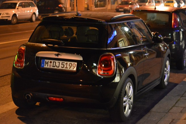 2014-MINI-Cooper-F56-Midnight-Black-Live-Fotos-02
