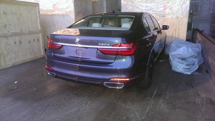 2015-BMW-7er-G11-ungetarnt-Luxus-Limousine-Erlkoenig-01