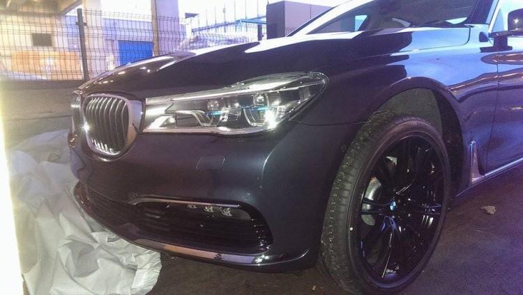 2015-BMW-7er-G11-ungetarnt-Luxus-Limousine-Erlkoenig-02