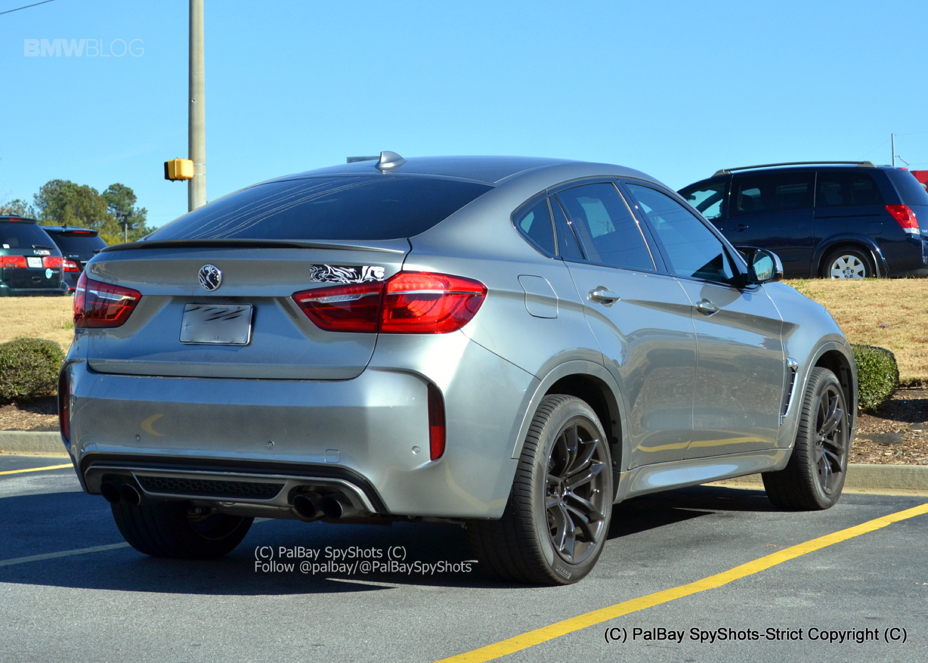 Bmw X6 M F86 Live Fotos Vom Suv Coupe In Donington Grey