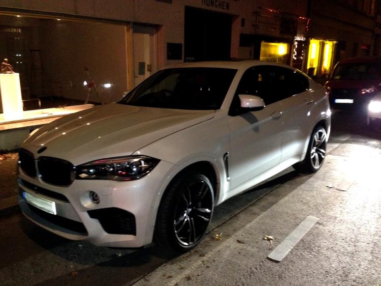 2015-BMW-X6-M-F86-Live-Fotos-weiss-Muenchen-02