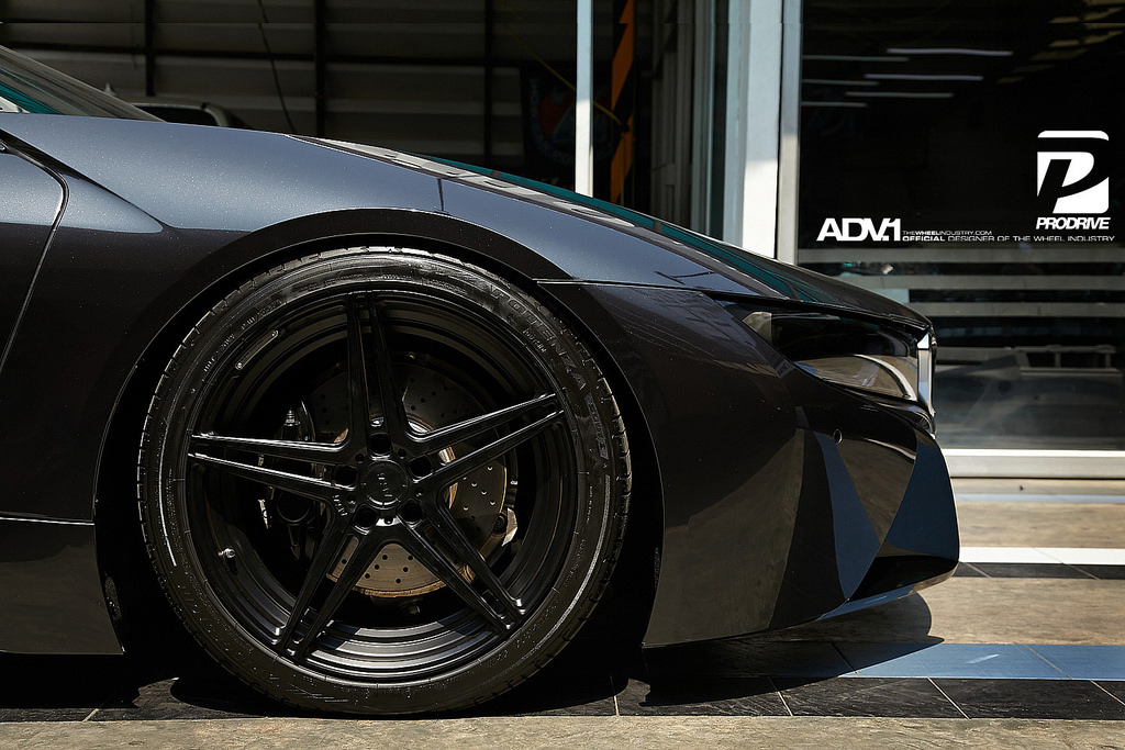 adv 1 wheels schwarze tuning felgen an schwarzem bmw i8. Black Bedroom Furniture Sets. Home Design Ideas