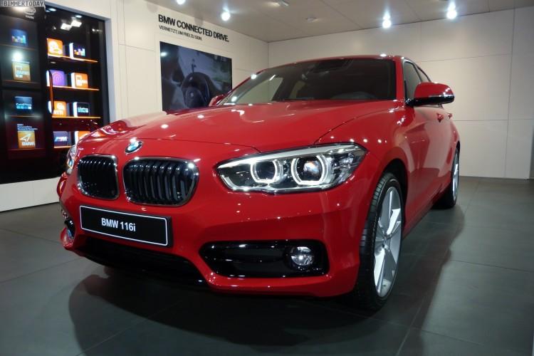BMW-1er-Facelift-2015-F20-LCI-116i-Sport-Line-Karmesin-Rot-Autosalon-Genf-LIVE-01
