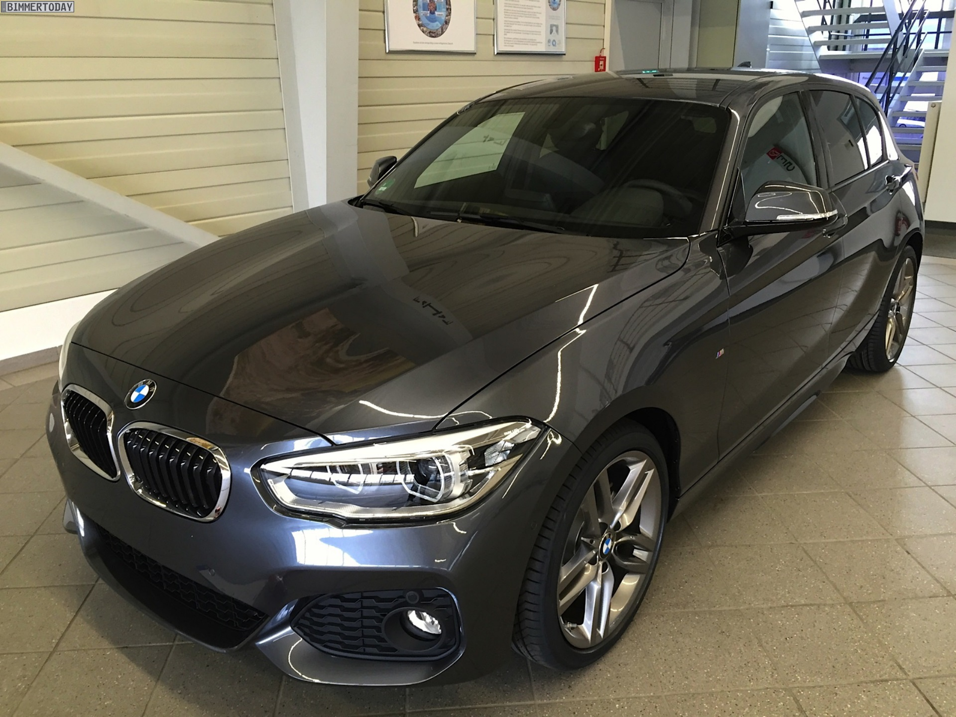 bmw 1er facelift 2015 f20 lci mit m sportpaket in mineralgrau. Black Bedroom Furniture Sets. Home Design Ideas