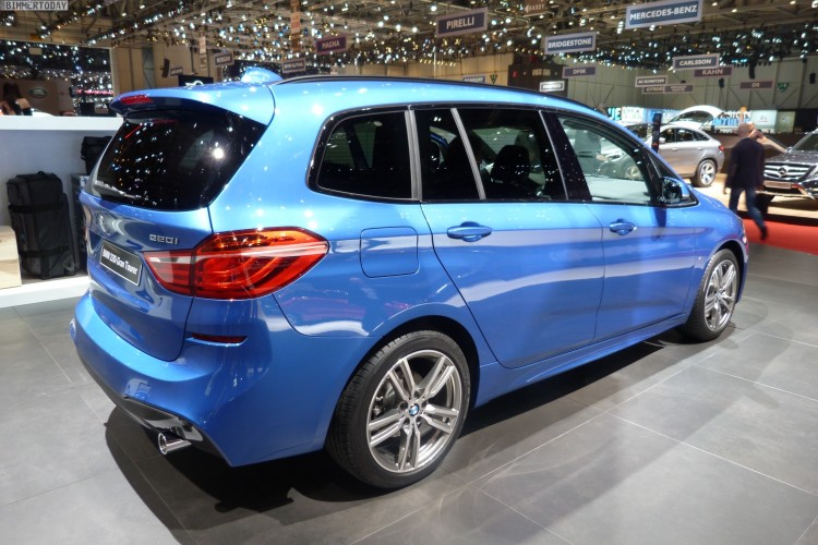 BMW-2er-Gran-Tourer-F46-2015-220i-M-Paket-Estoril-Blau-Genf-Autosalon-Live-02