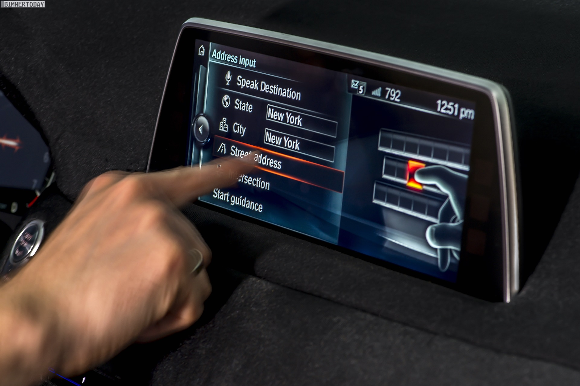 BMW 7er 2015: Touchscreen-iDrive mit Gestiksteuerung