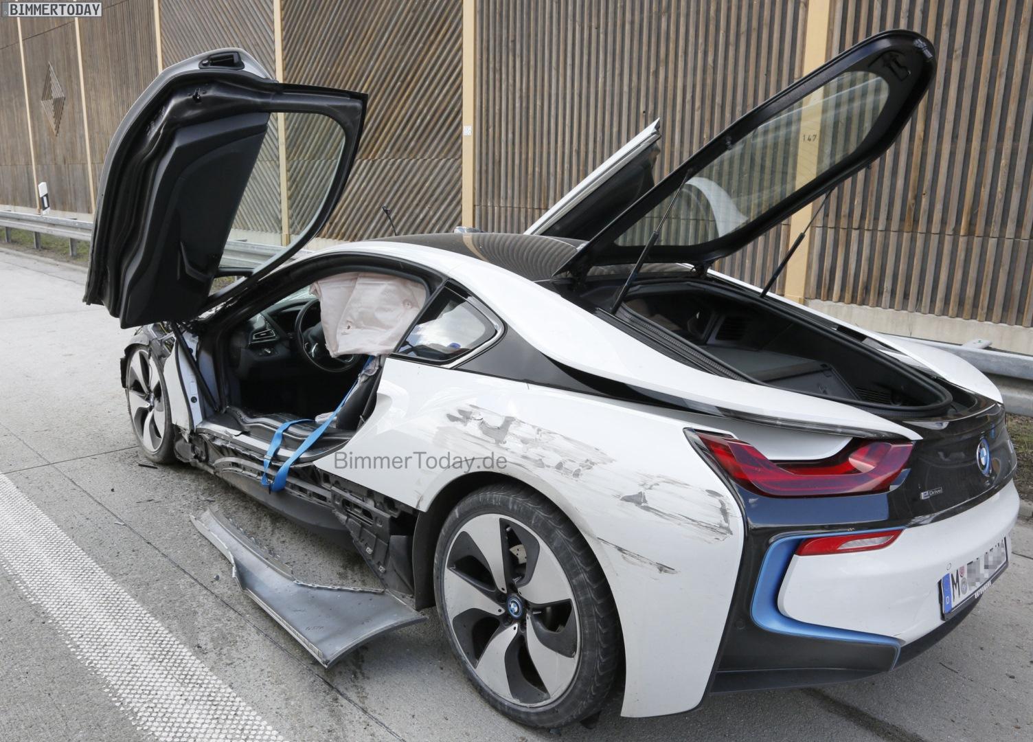 Bmw I8 Unfall Hybrid Sportler In Autobahn Crash Verwickelt