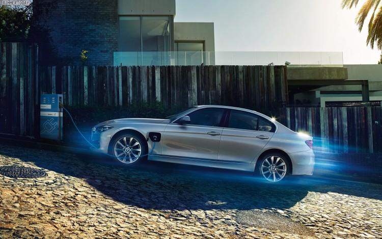 BMW-330e-2016-Plug-in-Hybrid-F30-LCI-03
