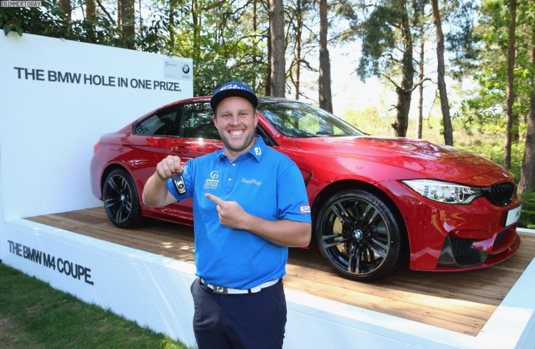 Hole-in-One-BMW-M4-Imola-Rot-Golf-01