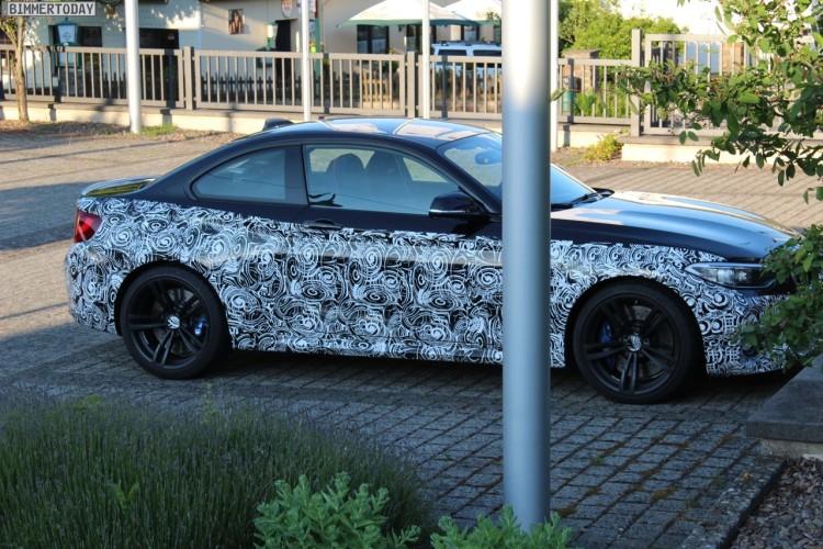 2016-BMW-M2-F87-Erlkoenig-03