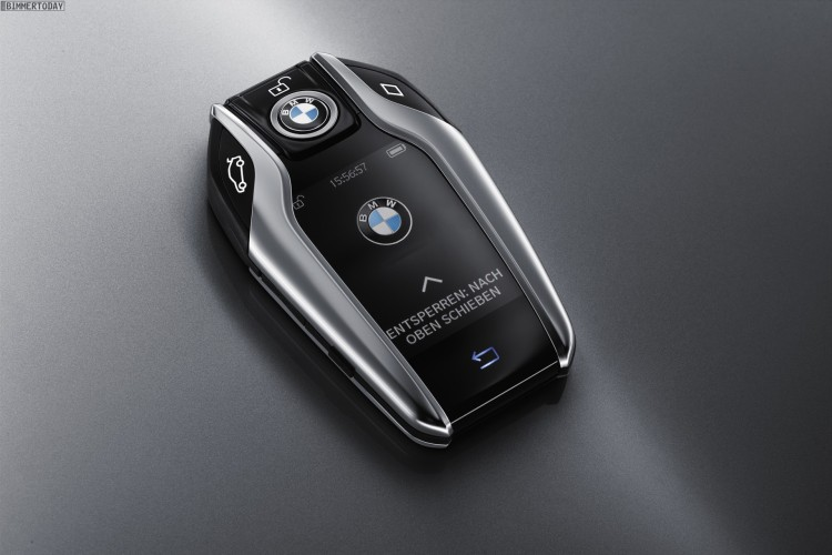 BMW-7er-2015-Display-Key-Autoschluessel-Smartkey-03