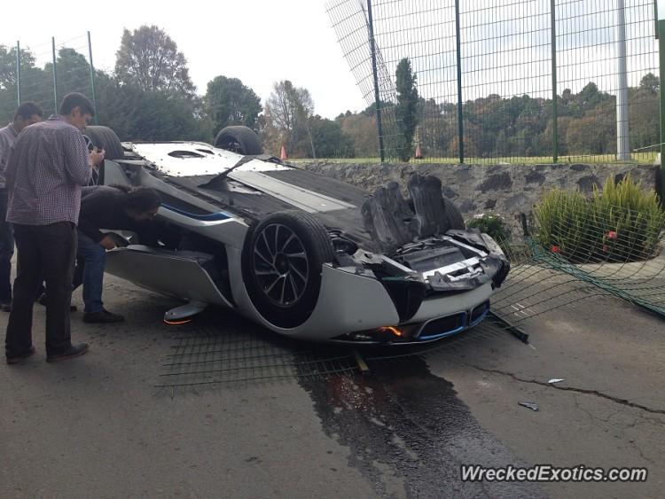 BMW-i8-Unfall-Crash-Ueberschlag-Mexiko-wreckedexotics-2