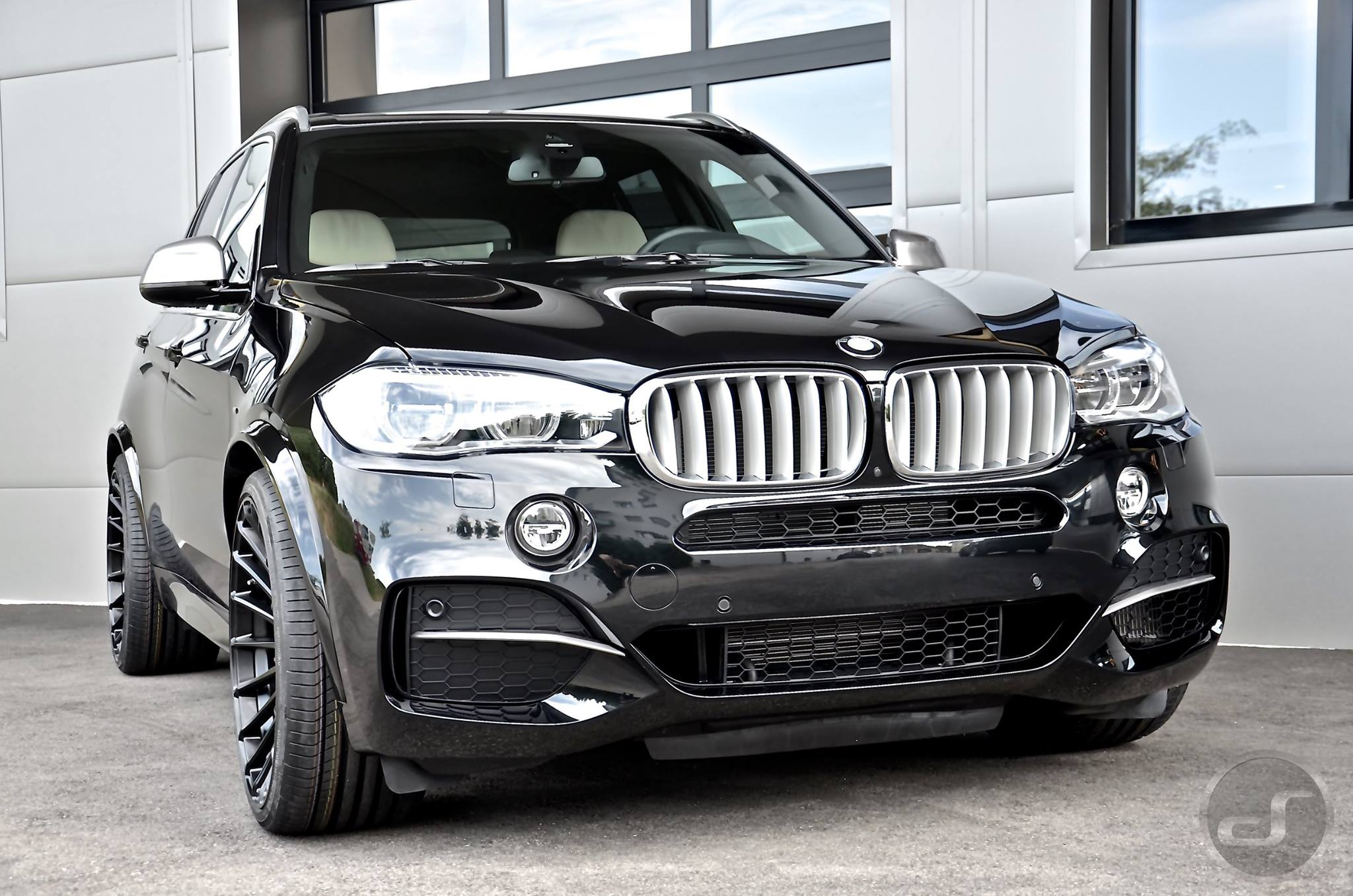 hamann bmw x5 m50d f15 power diesel auf 23 zoll felgen. Black Bedroom Furniture Sets. Home Design Ideas