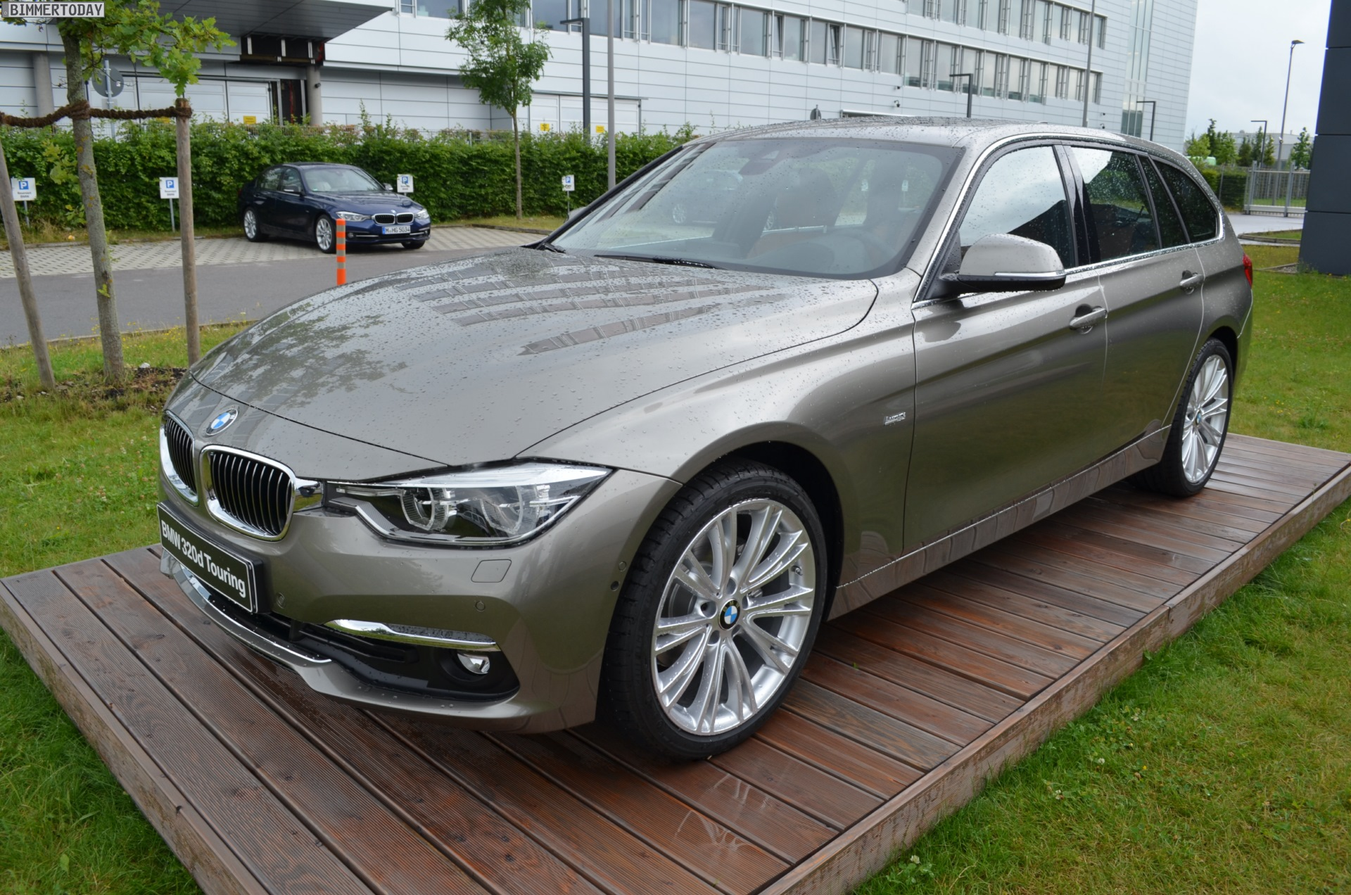 Bmw 320d Touring Facelift 3er Mit Luxury Line In Platinsilber