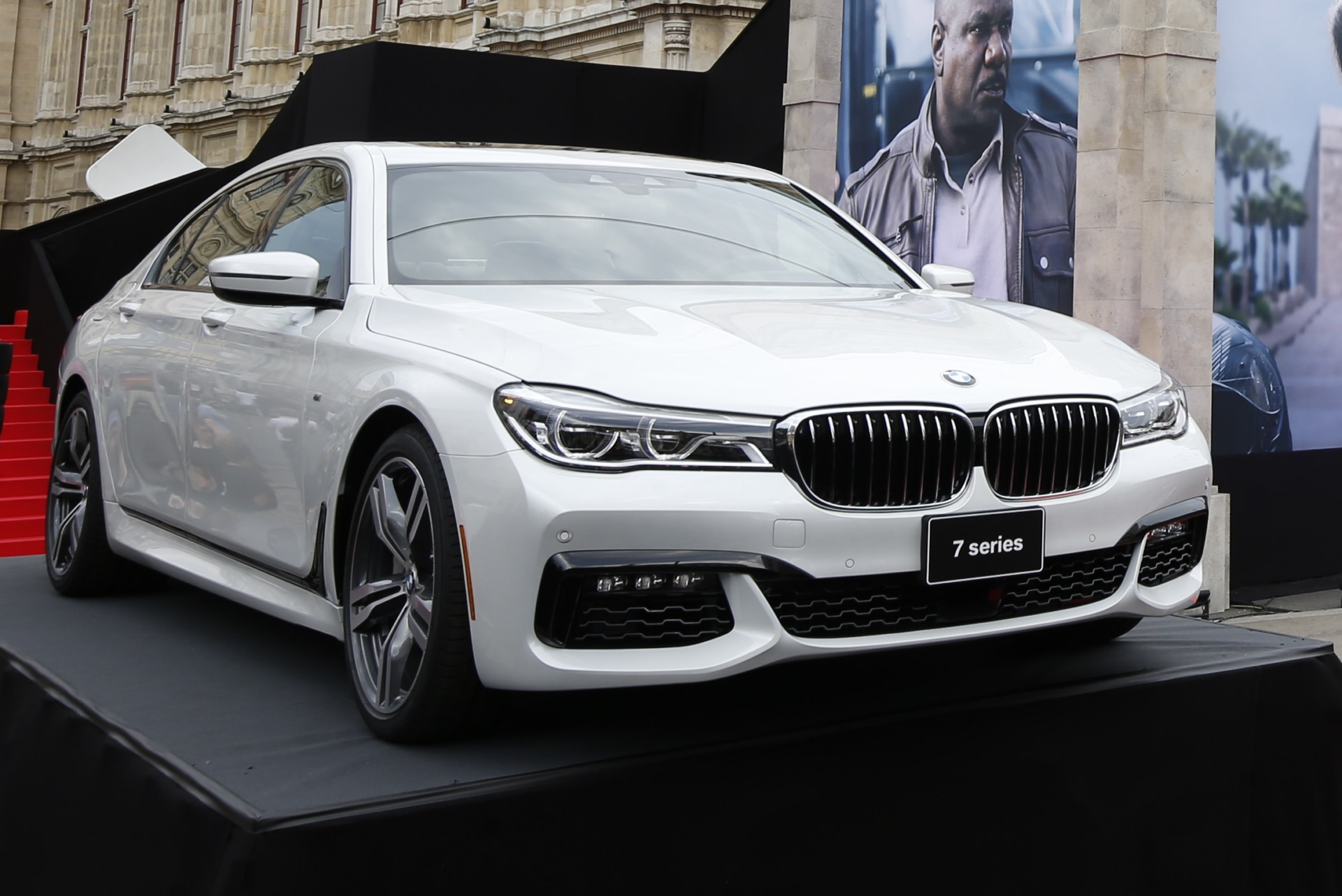 Bmw 7er 2015 Mit M Paket Zur Mission Impossible Premiere