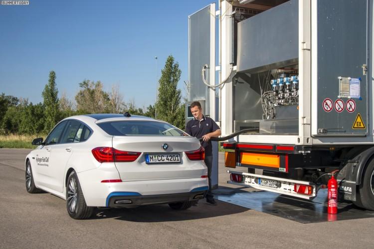 BMW-Brennstoffzelle-Prototyp-Wasserstoff-tanken-03