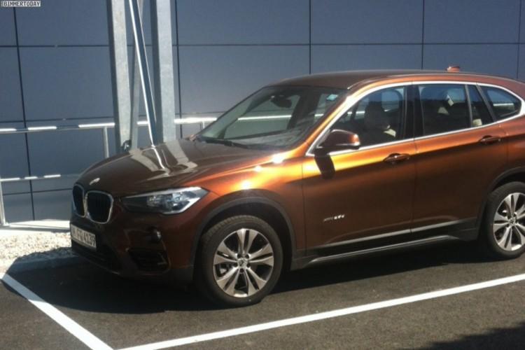 BMW-X1-2015-Live-Fotos-F48-Kastanienbronze-1