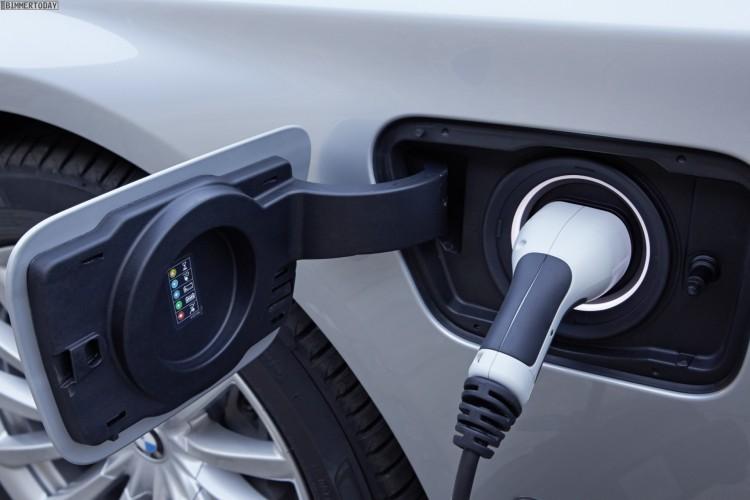 2015-BMW-740Le-G12-7er-PHEV-Fotos-24