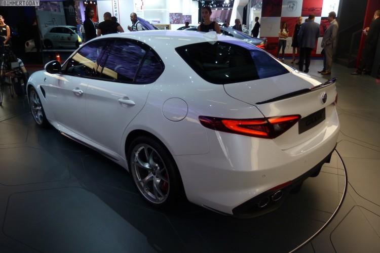 Alfa-Romeo-Giulia-QV-Quadrifoglio-Verde-White-IAA-2015-LIVE-02