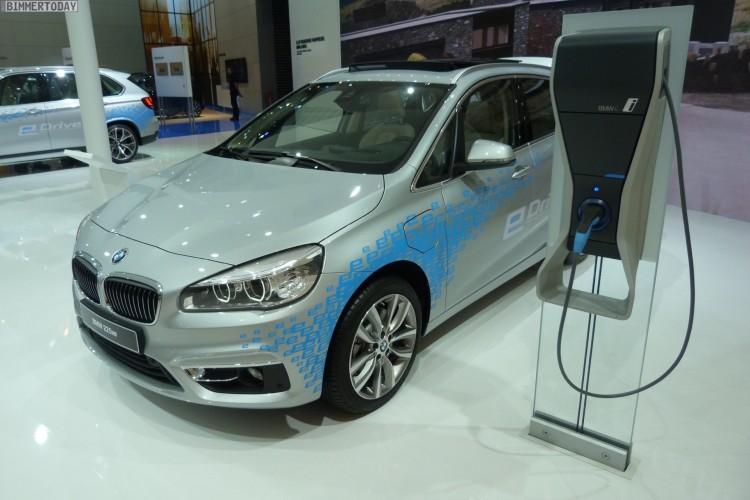 BMW-2er-Active-Tourer-F45-225xe-eDrive-IAA-2015-LIVE-12