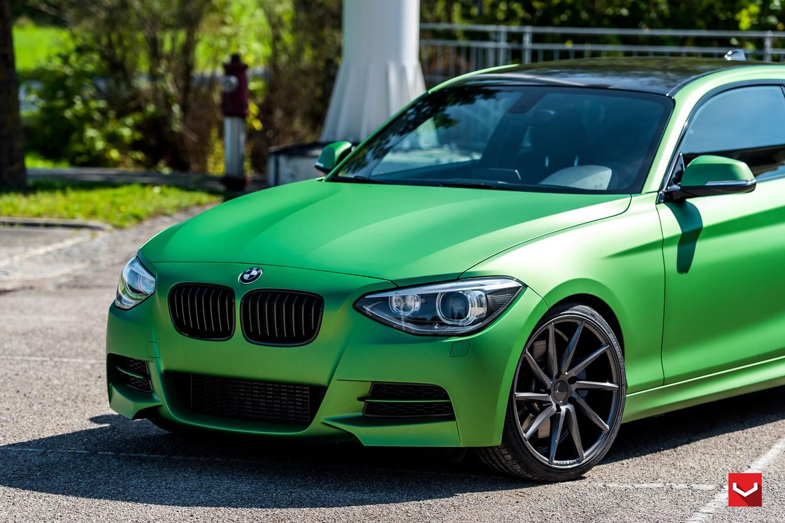 BMW M8 2015 >> BMW 1er F20 mit matt-grüner Folierung und Vossen Wheels