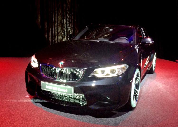 BMW-M2-Schwarz-02