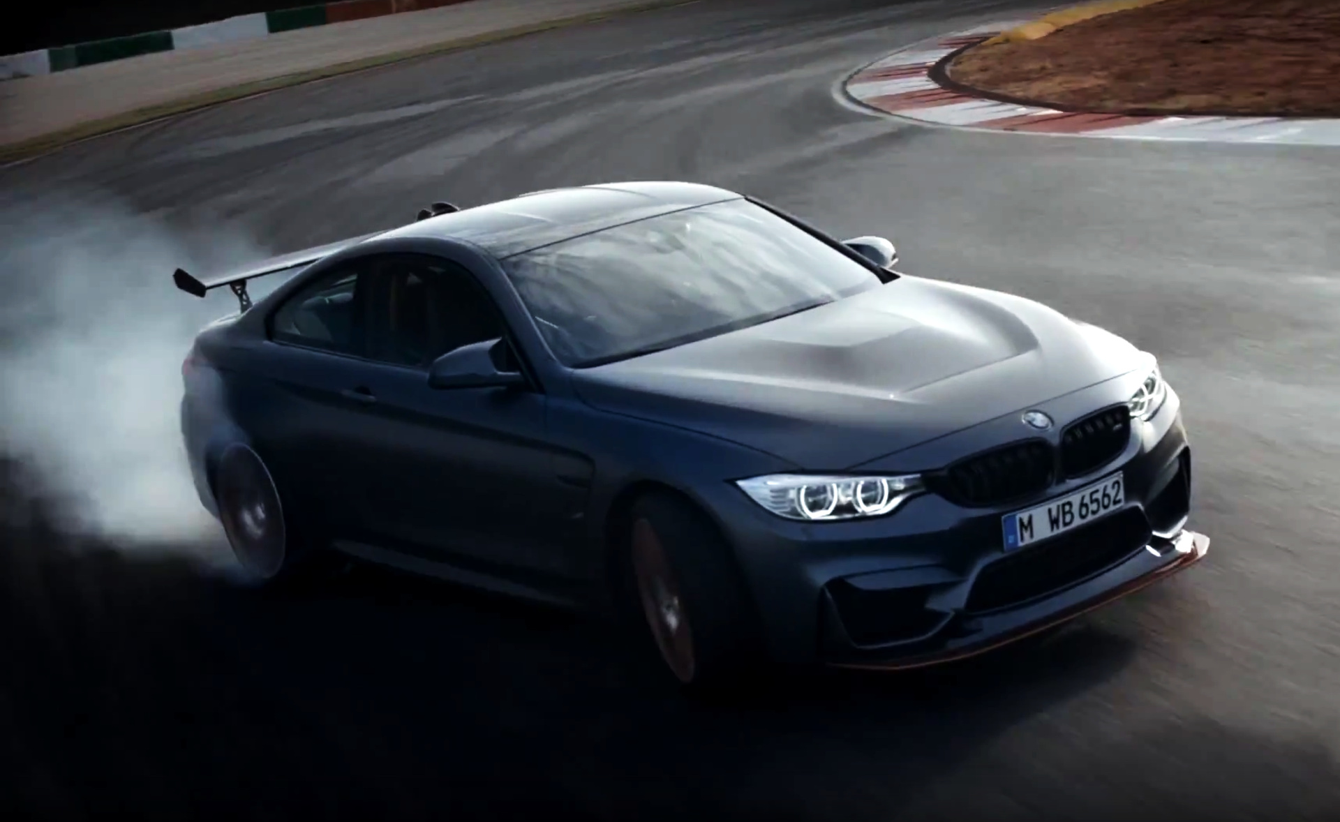 bmw m4 gts video zeigt 500 ps sportler auf der rennstrecke. Black Bedroom Furniture Sets. Home Design Ideas
