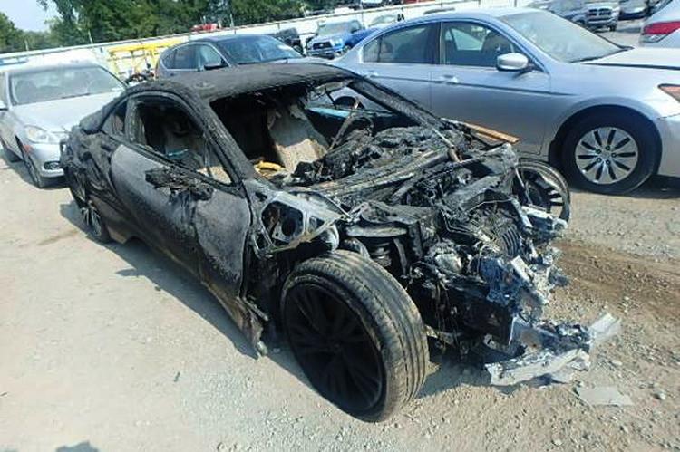 BMW-i8-abgebrannt-04s