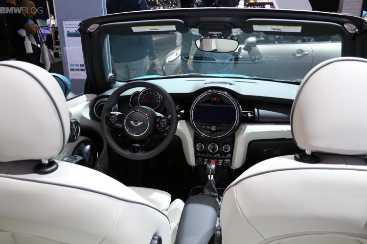 MINI-Cabrio-F57-Caribbean-Aqua-09