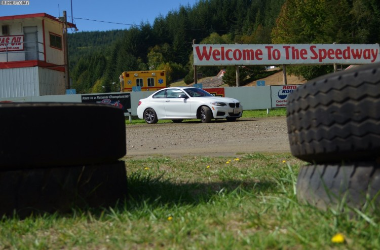 BMW-M235i-USA-Roadtrip-Dragrace01
