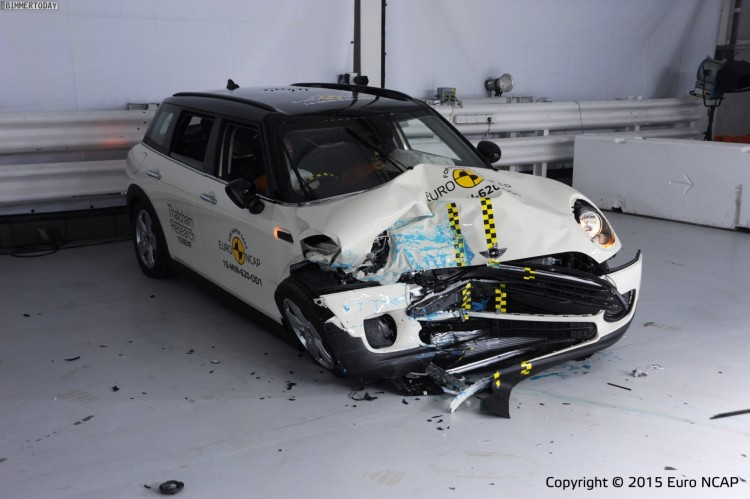 Euro-NCAP-Crashtest-MINI-Clubman-2015-F54-07
