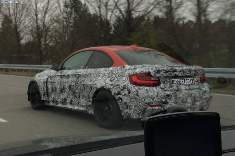 2016-BMW-M2-F87-Erlkoenig-Kompaktsportler-02