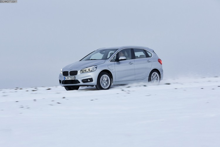 BMW-225xe-Plug-in-Hybrid-Active-Tourer-PHEV-09