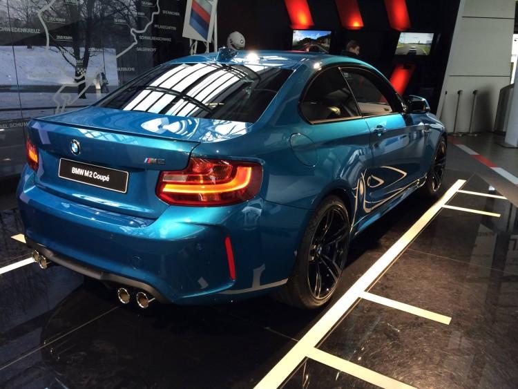 BMW-M2-2016-BMW-Welt-04
