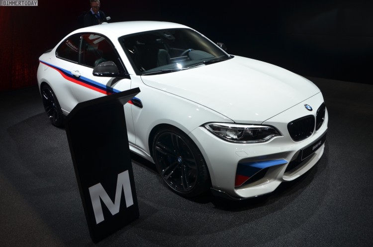 BMW-M2-Coupe-F22-M-Performance-Zubehoer-Autosalon-Genf-2016-LIVE-03