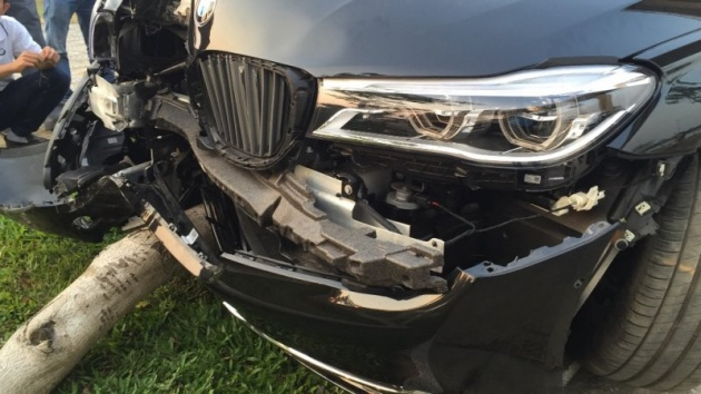 BMW-7er-G11-Crash-730Li-G12-Vietnam-xe365-03