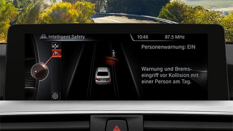 BMW-3er-Fussgaenger-Assistenzsystem-Display