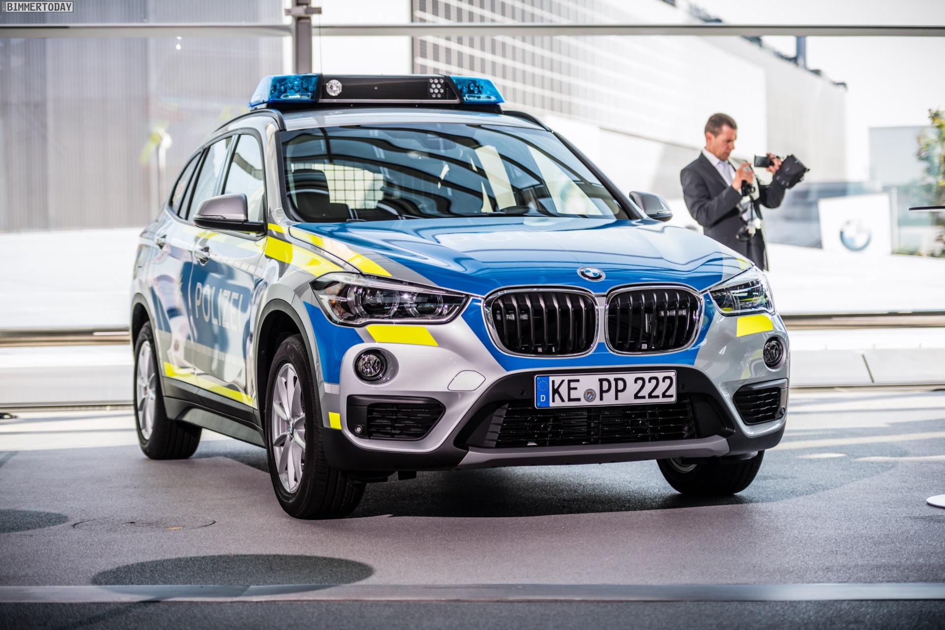 Bmw Streifenwagen In Blau Und Neongelb F 252 R Die Polizei Bayern