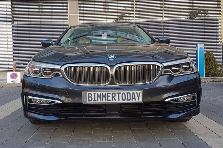 BMW-5er-G30-530d-Luxury-Line-Live-02