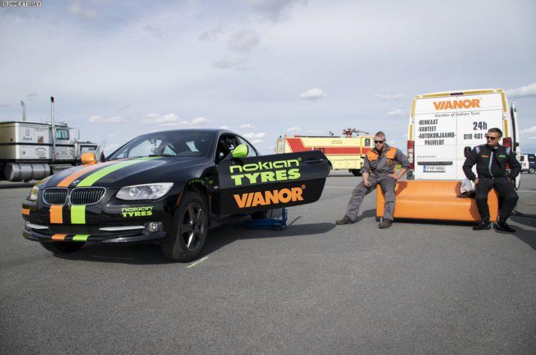 Nokian-Weltrekord-auf-zwei-Raedern-BMW-3er-Coupe-E92-LCI-11