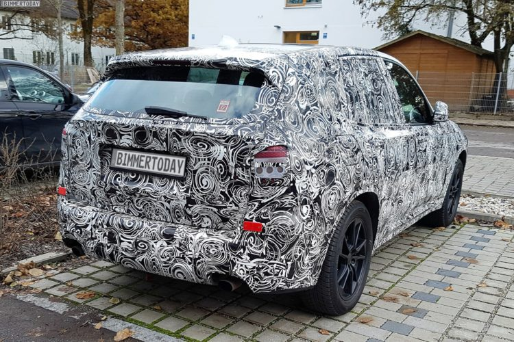 2017-BMW-X3-G01-SUV-Erlkoenig-03