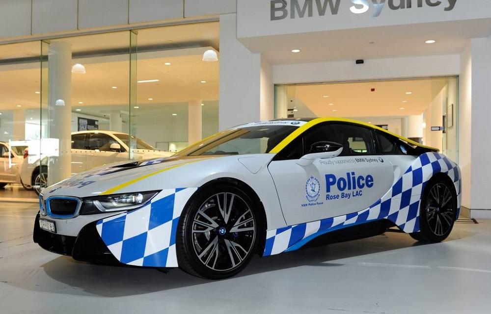 bmw i8 polizei in australien nutzt fl gelt rer als. Black Bedroom Furniture Sets. Home Design Ideas