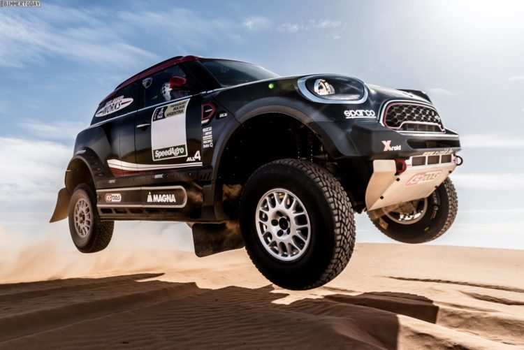 MINI-John-Cooper-Works-Rally-2017-Dakar-01