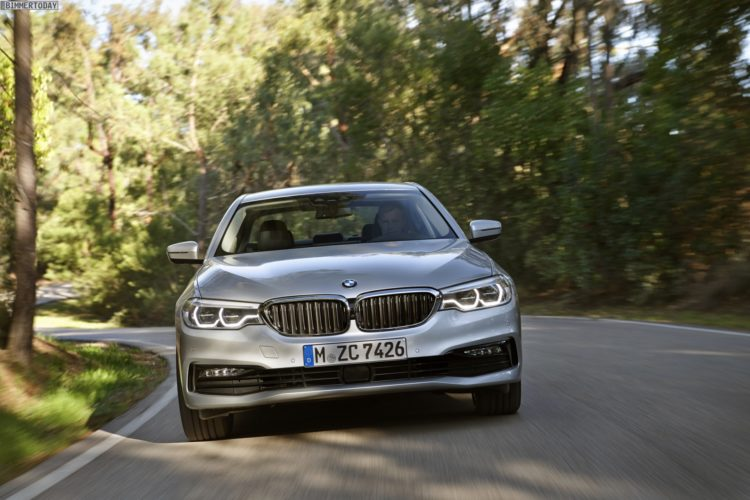 BMW-530e-iPerformance-G30-Plug-in-Hybrid-Detroit-2017-06