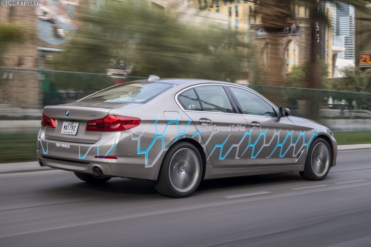 2017-BMW-5er-G30-Connected-Mobility-CES-Las-Vegas-02